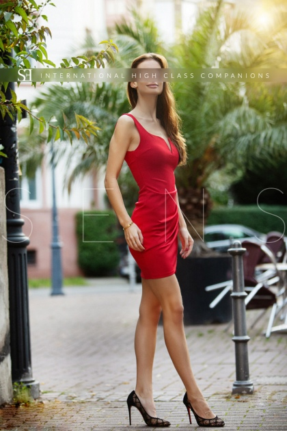 thin escort model (3)