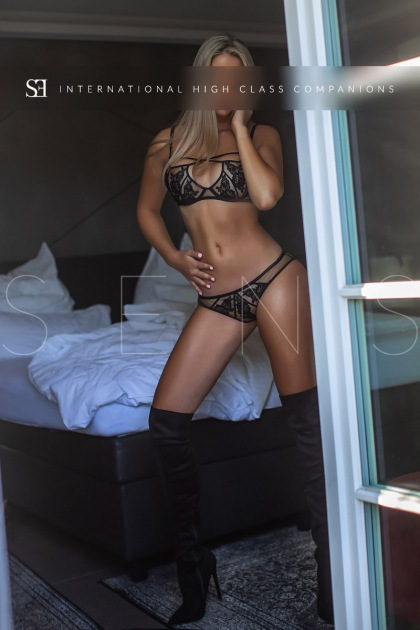blonde-escort-germany