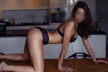sexy-escort-girl