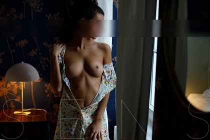 sensual-high-class-escort